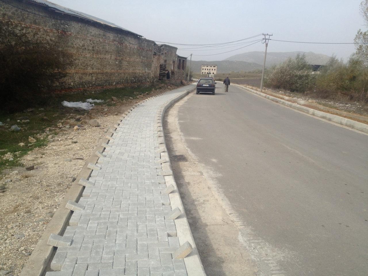 Sistemim asfaltim Unaza Erseke